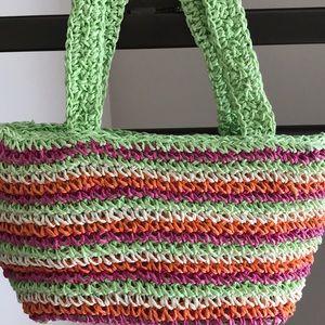 Girl's straw handbag